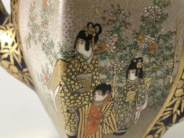 Satsuma miniature wine pot - image 3