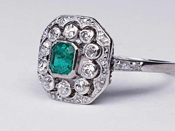 Belle Epoque Emerald and Diamond Ring  DBGEMS - image 3