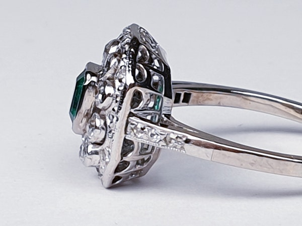 Belle Epoque Emerald and Diamond Ring  DBGEMS - image 6