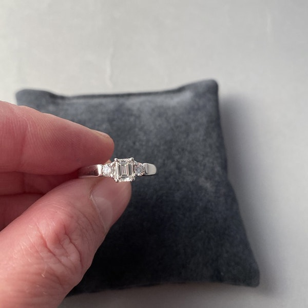 1980's, 18ct White Gold Emerald Cut & Brilliant Cut stone set Ring, SHAPIRO & Co - image 7