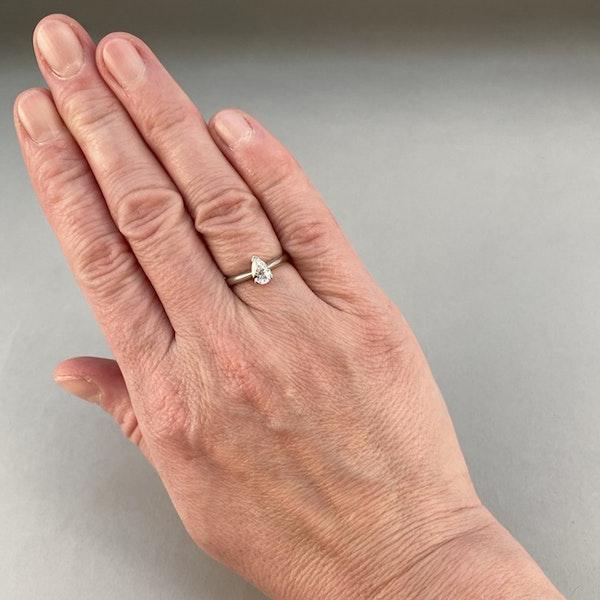 London 2003, Platinum, Pear shape Diamond stone set Ring, SHAPIRO & Co - image 2