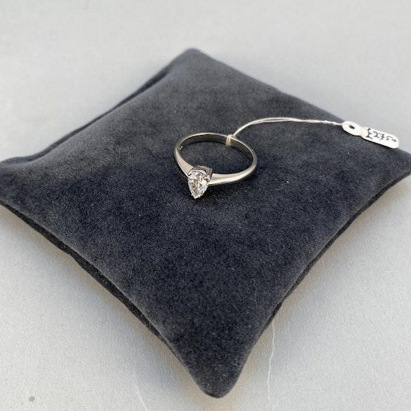 London 2003, Platinum, Pear shape Diamond stone set Ring, SHAPIRO & Co - image 6