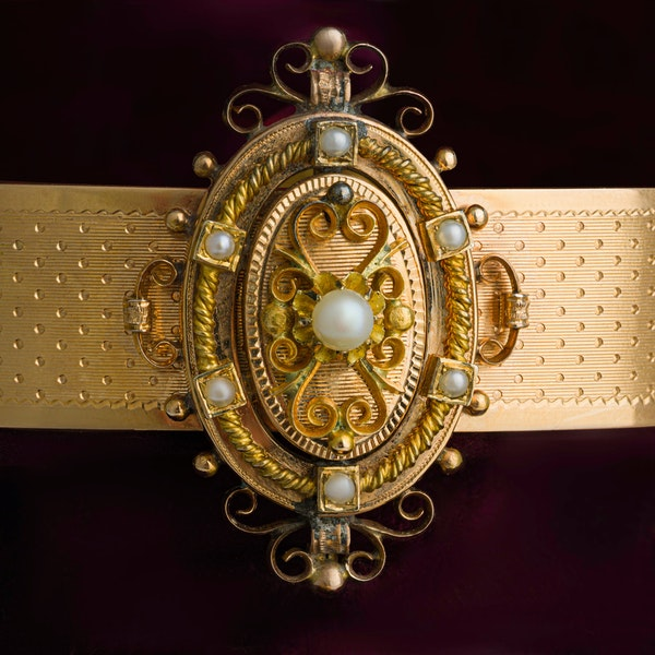 Victorian Suite of Gold Jewellery - image 2