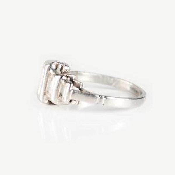 An Art Deco Diamond Platinum Ring - image 3