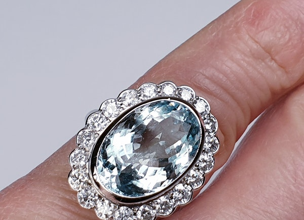 Aquamarine and Diamond Cluster Ring  DBGEMS - image 5