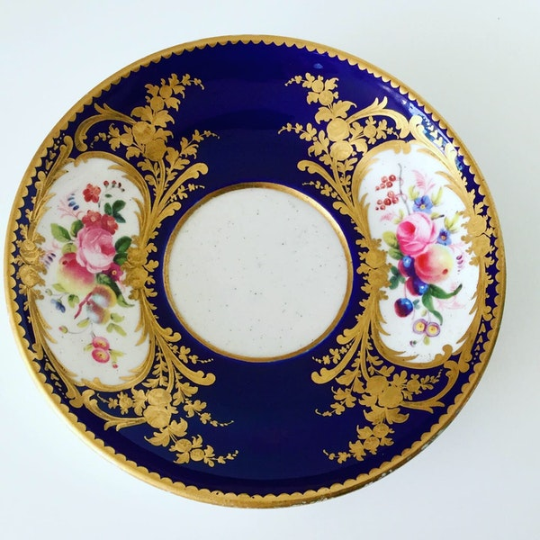 Pair of Sèvres style cups and saucers - image 5