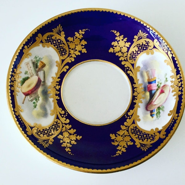 Pair of Sèvres style cups and saucers - image 4