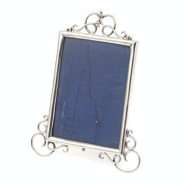 A quality silver antique frame - image 1