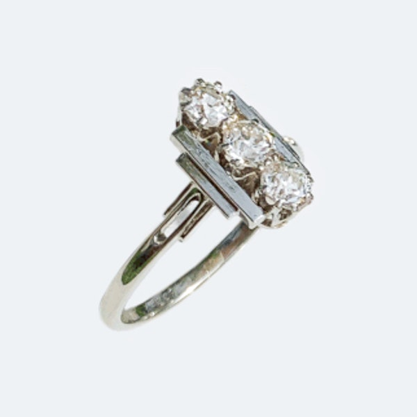 An Art Deco Diamond Platinum Ring - image 2