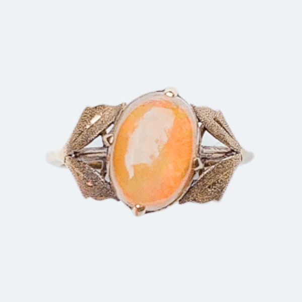 An Art Nouveau Gold Fire Opal Ring - image 2