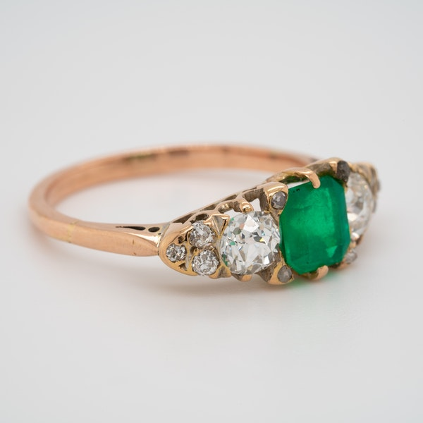 3 stone emerald and diamond ring - image 2