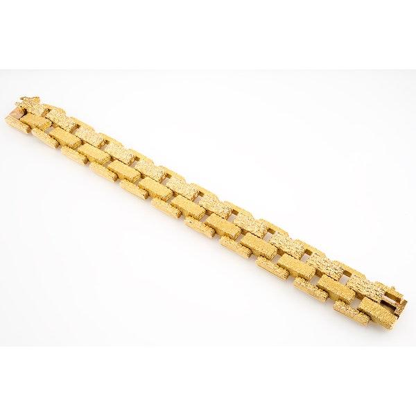 Vintage Bracelet in 18 Karat Gold of Interlocking Brick Design, French circa 1950. - image 2