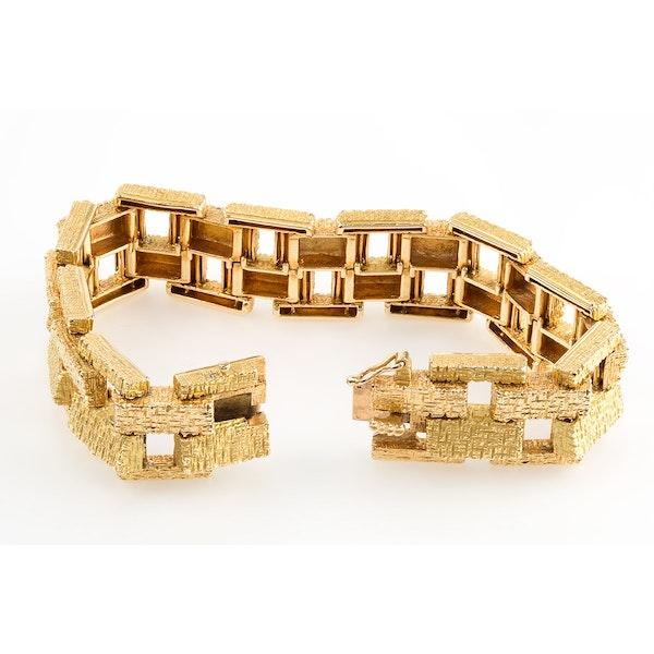 Vintage Bracelet in 18 Karat Gold of Interlocking Brick Design, French circa 1950. - image 3