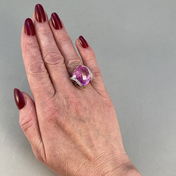 1980's, 18ct White Gold, Pink Topaz  and  Pink Sapphire  and  Diamond stone set Ring, SHAPIRO & Co - image 4