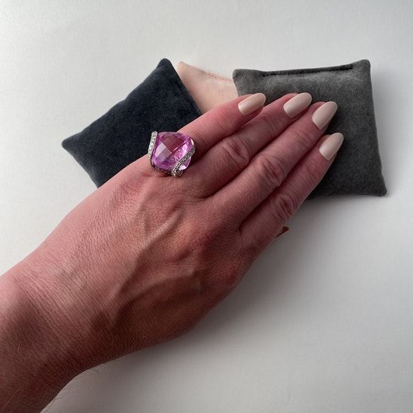 1980's, 18ct White Gold, Pink Topaz  and  Pink Sapphire  and  Diamond stone set Ring, SHAPIRO & Co - image 6