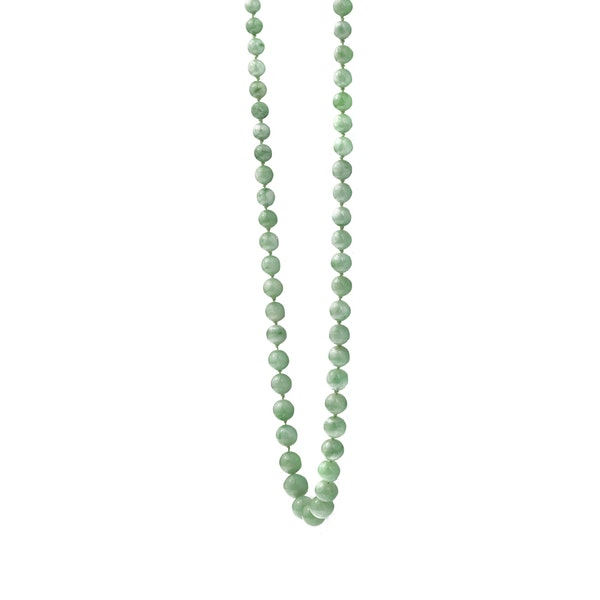 A Jade Necklace with 18ct Gold Clasp - image 2