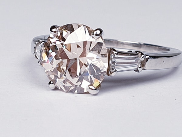 Coloured 2.47ct old European cut Diamond engagement ring  DBGEMS - image 3
