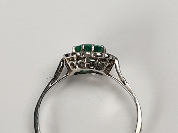Art deco emerald and diamond engagement ring  DBGEMS - image 4