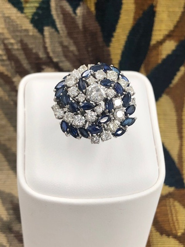 A very stylish 18 Carat White Gold, Sapphire and Diamond Cocktail Ring, English, Circa 2000. - image 1