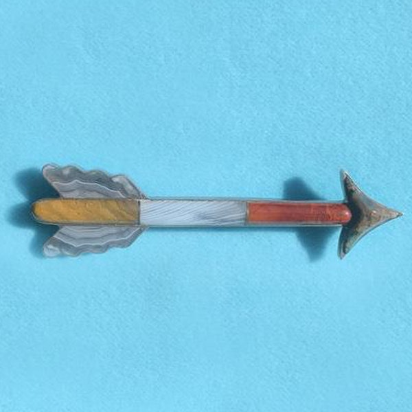 A Silver and Agate Arrow Brooch - image 3