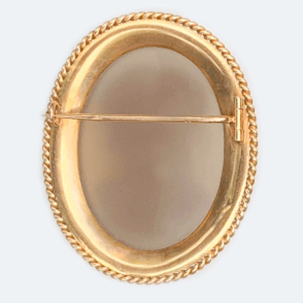 A Victorian Gold Mounted Agate Cameo Brooch - image 3