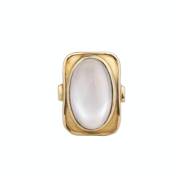 A 1940s Gold Moonstone Ring - image 1