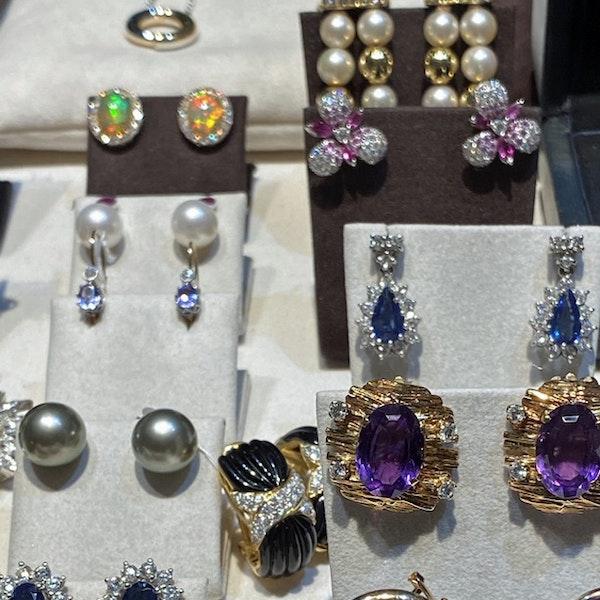 1970's 18ct Yellow Gold Onyx & Diamond stone set Clip Earrings, SHAPIRO & Co - image 6