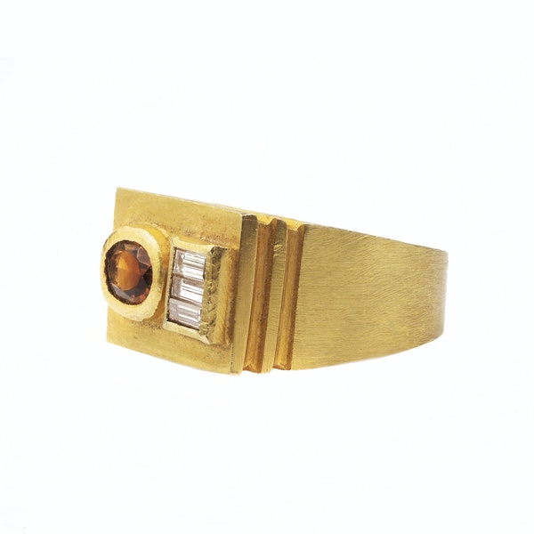 A 1950s Citrine and Diamond Ring - image 3