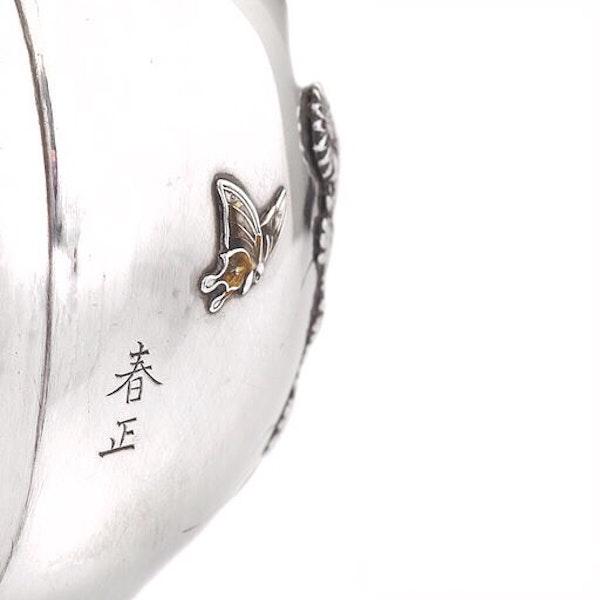 19th century Japanese silver vase - image 3
