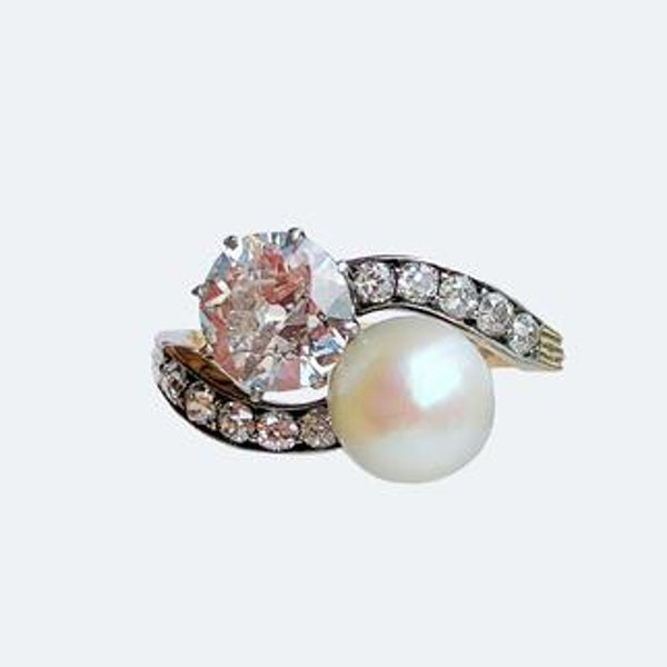 A Diamond and Pearl Moi et Toi 18ct Gold Ring - image 3