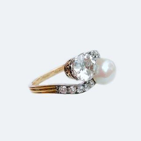 A Diamond and Pearl Moi et Toi 18ct Gold Ring - image 4