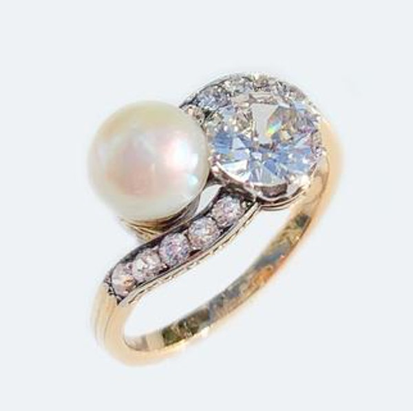 A Diamond and Pearl Moi et Toi 18ct Gold Ring - image 2