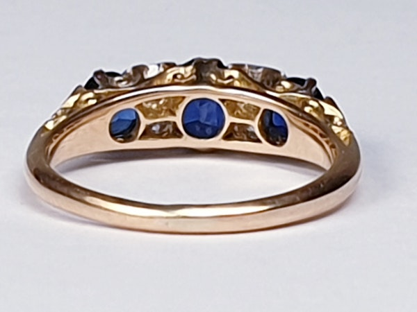Antique three stone sapphire ring 4271   DBGEMS - image 4