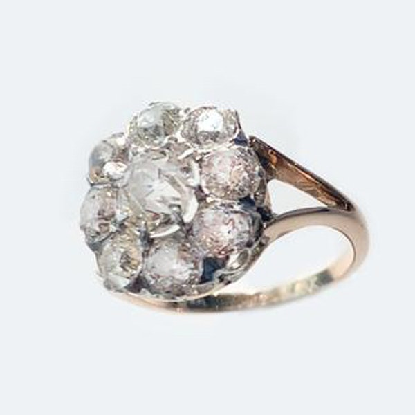 An Antique Diamond Ring - image 3