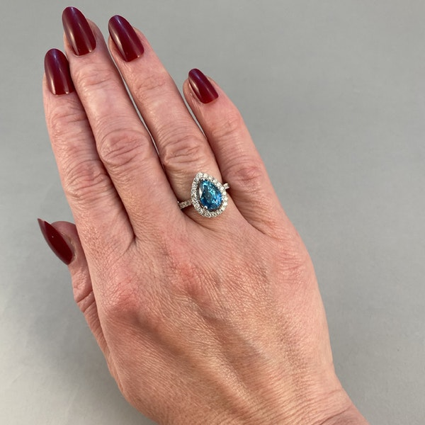 1980's, 14ct White Gold, Blue Zircon and Diamond stone set Ring, SHAPIRO & Co since1979 - image 3