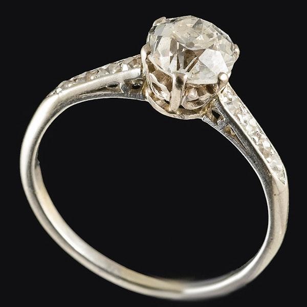 MM6379r Platinum set 1ct single stone diamond ring - image 2