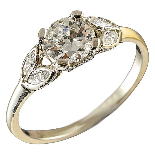 MM6165r Platinum single stone  diamond ring.71pts with pear shaped  diamond shoulders 1910/30c - image 1