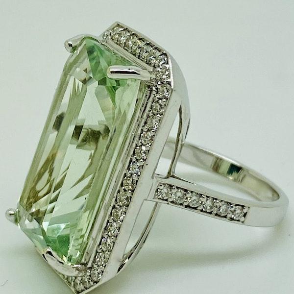 18K white gold 15.24ct Topaz and Diamond Ring - image 2