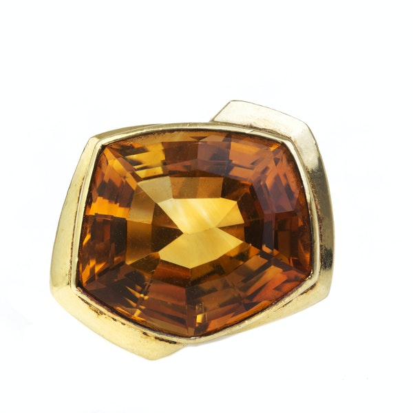 An 1980s Gold Citrine Ring - image 3