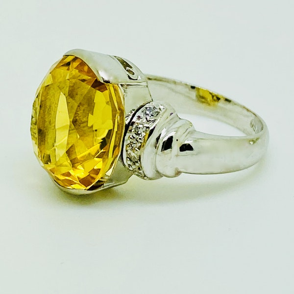 18K white gold Citrine and Diamond Ring - image 2