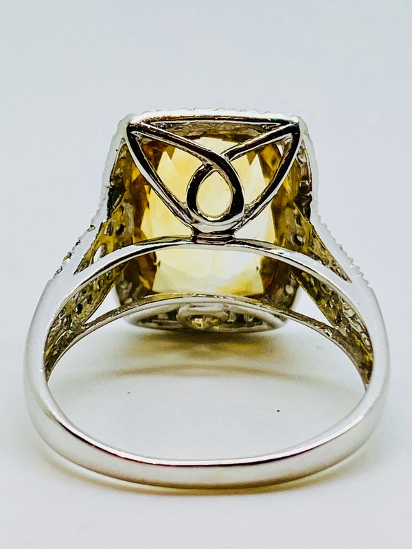 14K white gold Citrine and Diamond Ring - image 3