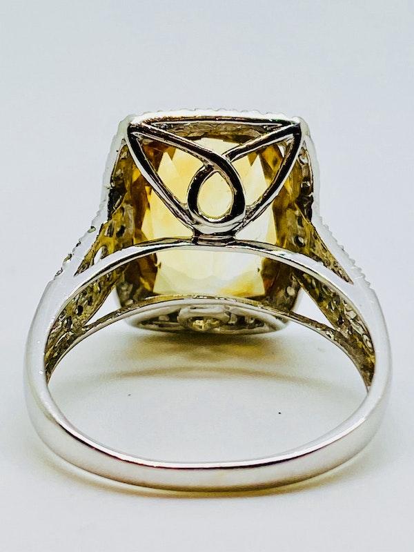 14K white gold Citrine and Diamond Ring - image 3