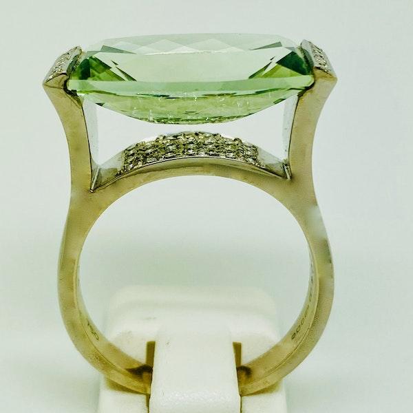 18K white gold Aquamarine and Diamond Ring - image 2