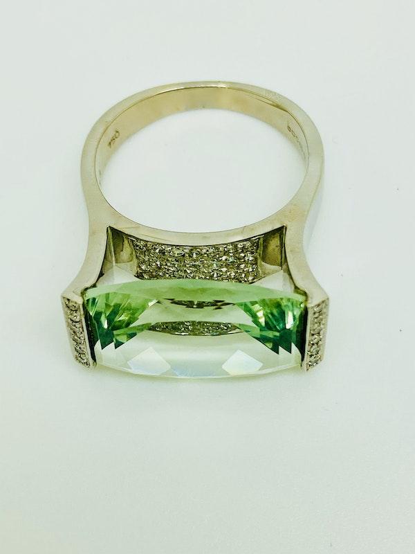 18K white gold Aquamarine and Diamond Ring - image 3
