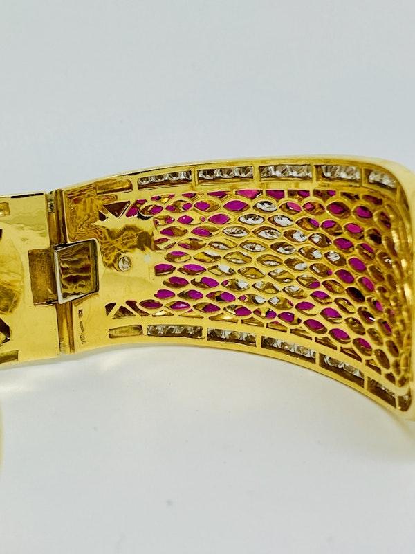 18K yellow gold 40.00ct Natural Ruby and 18.00ct Diamond Bangle - image 4