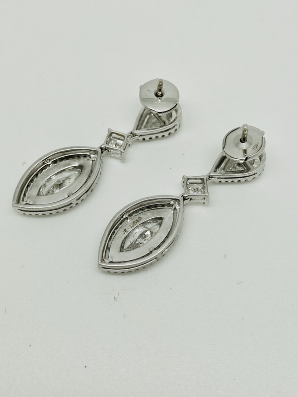 18K white gold 4.41ct Diamond Earrings - image 4