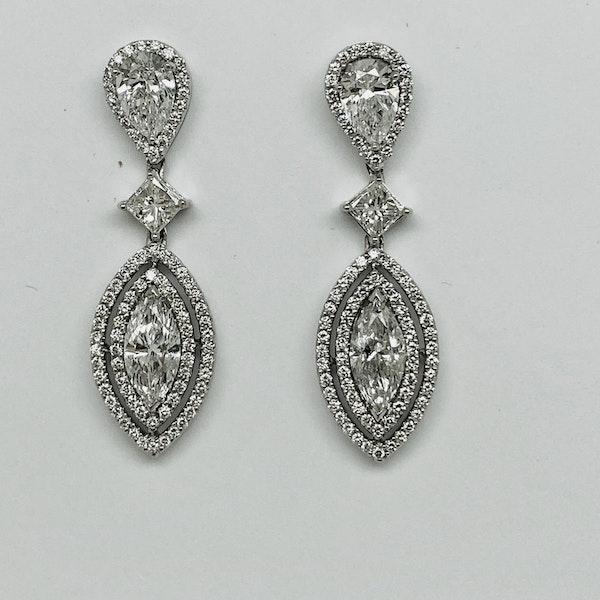 18K white gold 4.41ct Diamond Earrings - image 3