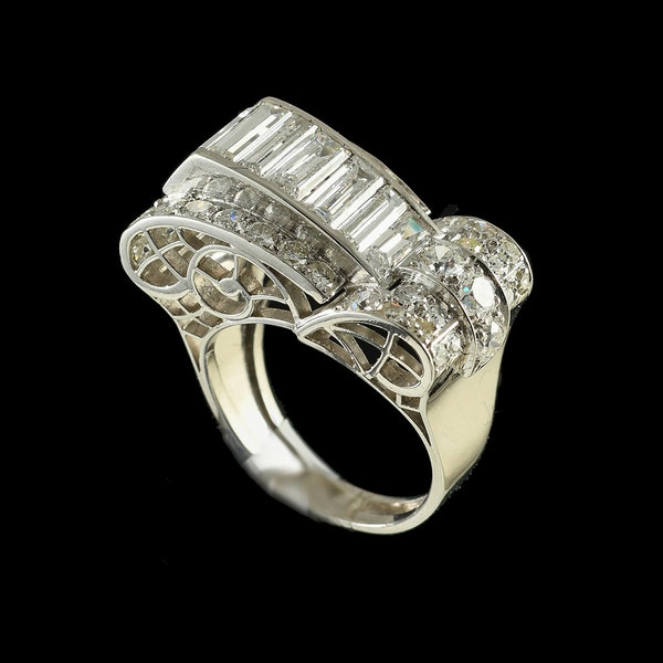 MM6492r Platinum 1940/50c cocktail ring with fine quality baguette and round diamonds - image 3