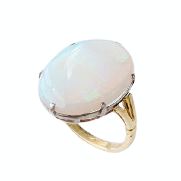 A 1950s Opal and Gold Ring - image 2