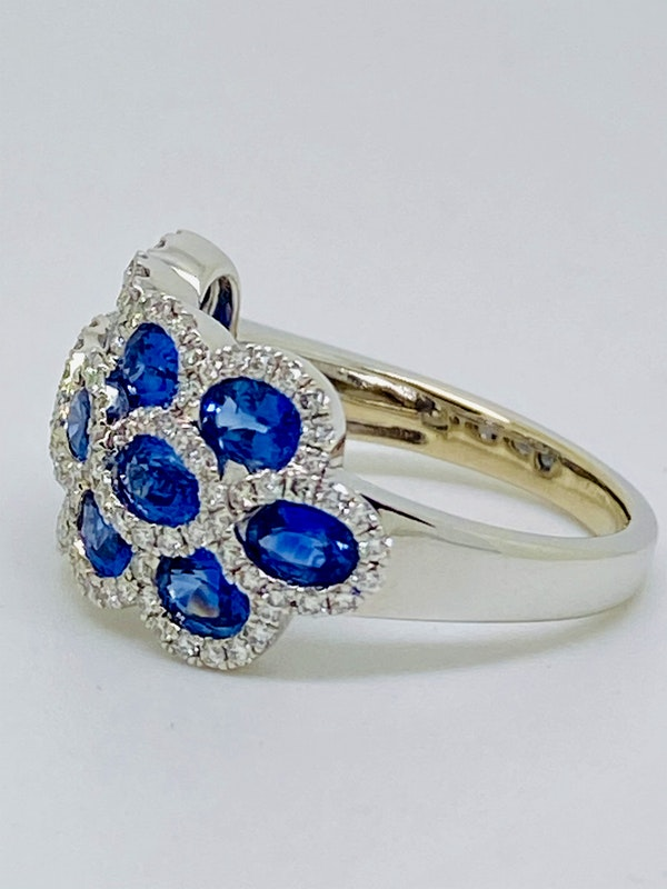 14K white gold 3.00ct Natural Blue Sapphire and 1.00ct Diamond Ring. - image 2